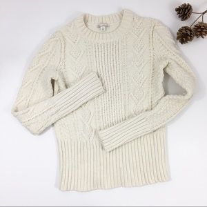 Gap fitted chunky  knit cream color sweater Sm
